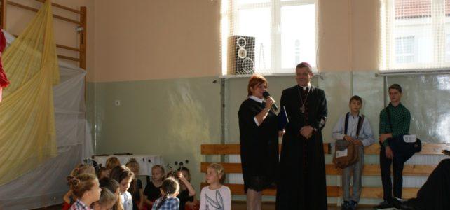Ks. biskup Roman Pindel w naszej szkole