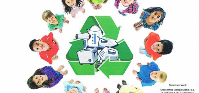 """Trwa akcja """"Szkole  pomagamy i  Świat  oczyszczamy"""""""